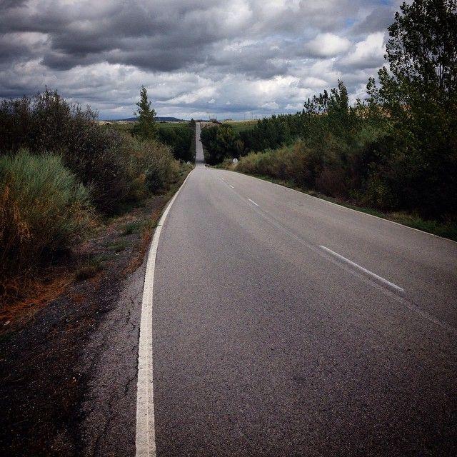 http://www.barganews.com/2014/09/19/riolobos-carcaboso/ Sedicesima tappa da Riólobos a Carcaboso 22 Km, sono partito molto tardi perché ha piovuto tutta la mattina e nella Casa Rural si stava da dio, quindi verso le 14 il tempo è migliorato e sono partito.