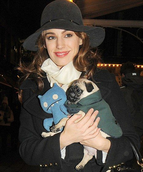 Kelly Brook with her cutie pug and doll <3