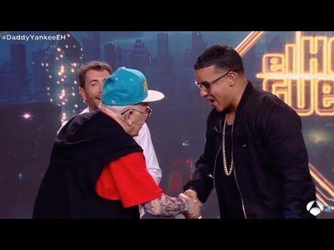 """Daddy Yankee y Daddy Melquiades bailan el """" Taca Taca """" - VER VÍDEO -> http://quehubocolombia.com/daddy-yankee-y-daddy-melquiades-bailan-el-taca-taca Daddy yankee se animo en bailar el nuevo exito del abuelito """"Daddy Melquiades"""" llamado el """"Taca Taca"""" que se hizo viral . Créditos de vídeo a YouTube channel"""