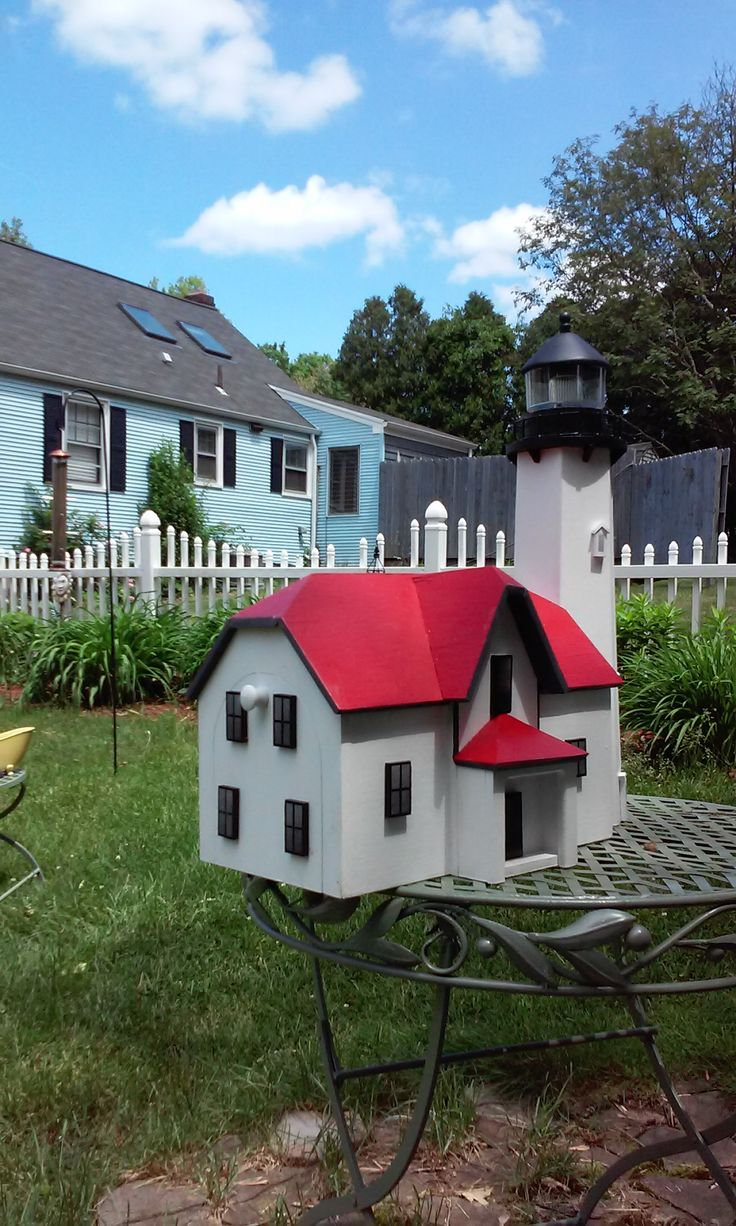 Daves Custom Built Mailboxes has built custom lighthouse mailboxes that replicate many of the famous lighthouses that are along the East Coast of the USA. . Special order.