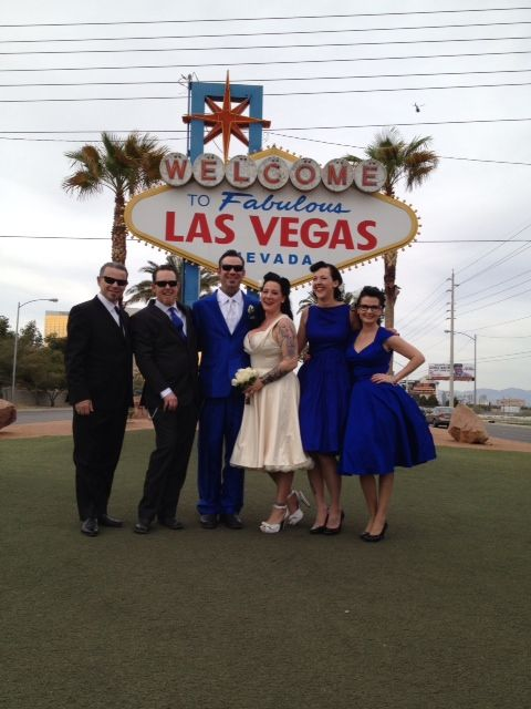Love this color combination! Bride's dress purchased  from Blue Velvet Vintage! #bluevelvetvintage #vegaswedding