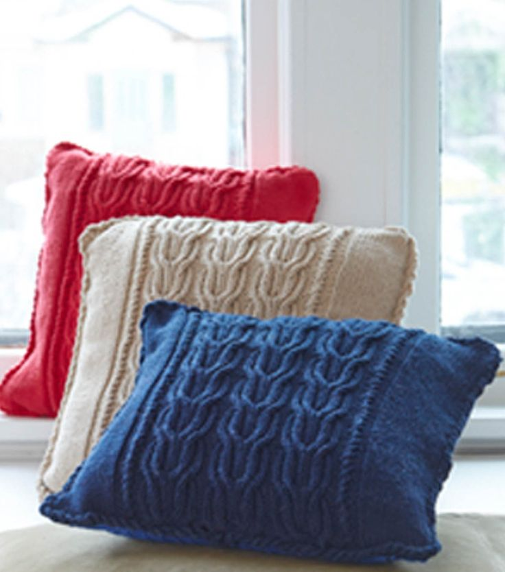 Cable Knit Pillow pattern from @joannstores & 100 best * Tricot - Almofadas e Pouffes * images on Pinterest ... pillowsntoast.com