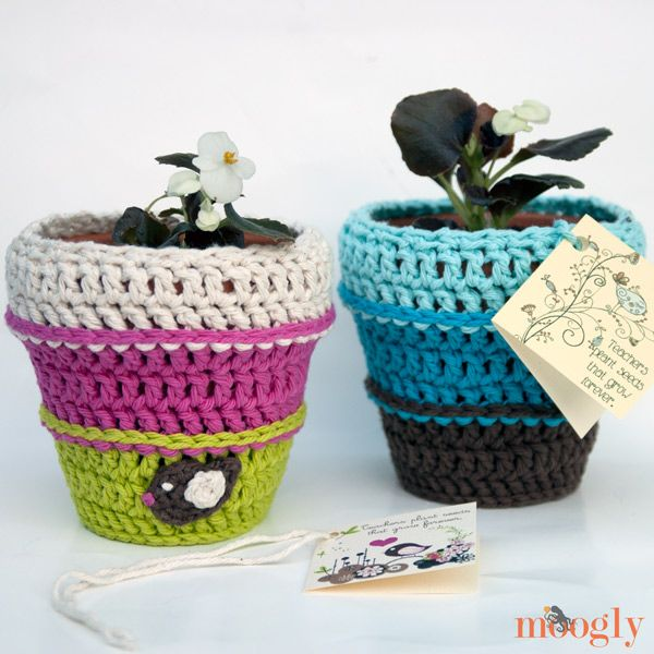 Planting Seeds Flower Pot Cozy - free crochet pattern with matching printable…