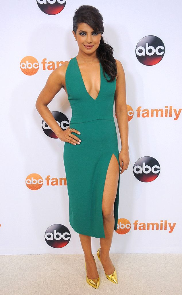Priyanka Chopra from The Best of the Red Carpet  It's been a while since teal had graced the red carpet, and the actress is just the lady to bring it back in the form of this sleek Cushnie et Ochs confection.