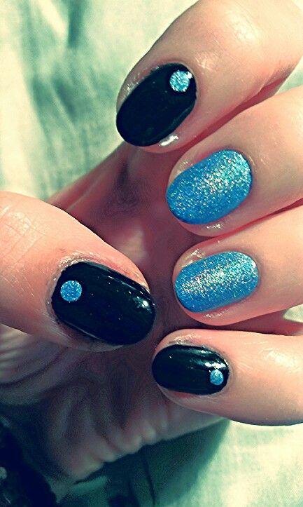 Black and holographic blue / Czarne z holograficznym niebieskim akcentem