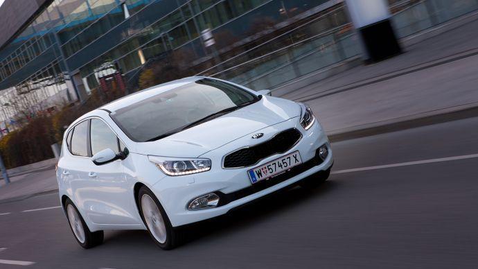 Anden generation af Kia Ceed har fået et skarpere europæisk design.