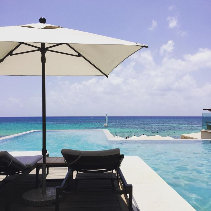 The infinity pool overlooking the Caribbean blue waters at Grand Hyatt Playa del Carmen is waiting for you.