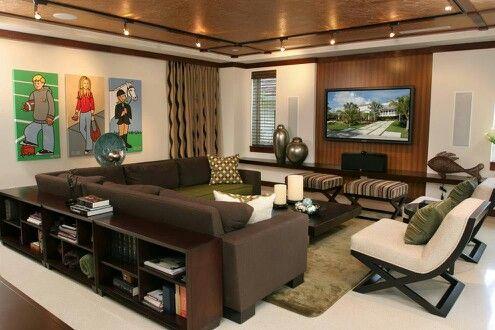 Mueble detrás del sofá
