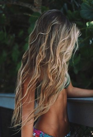 Mermaid hair, long hair, beach hair