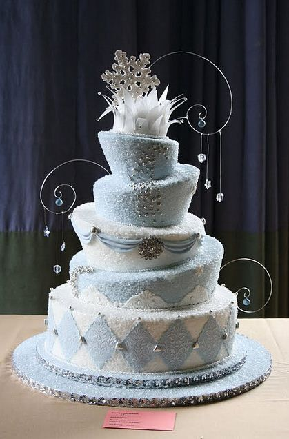 WinterThemed Wedding Cake