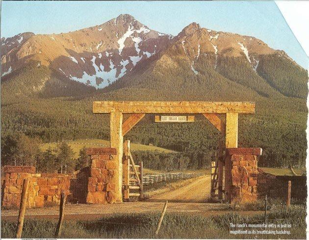31 best images about puerta de enfrente on pinterest for Ranch entrances ideas