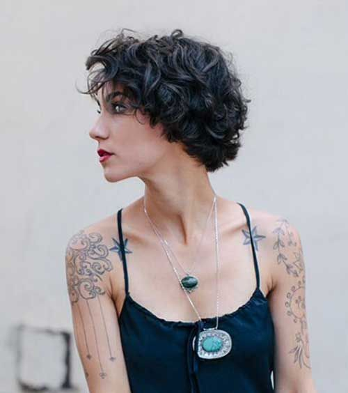 Latest Short Curly Hairstyles: 17 Best Ideas About Short Wavy Haircuts On Pinterest