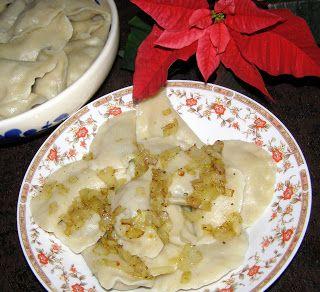 W Mojej Kuchni Lubię.. : smaczne aromatyczne pierogi z kiszoną kapustą i pr...