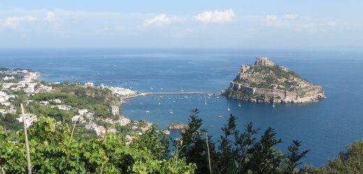 Ischia: Heiße Quellen und Vulkangipfel