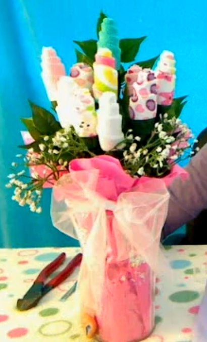 DIY- Baby washcloth bouquet tutorial~ great gift idea and centerpiece for baby shower.