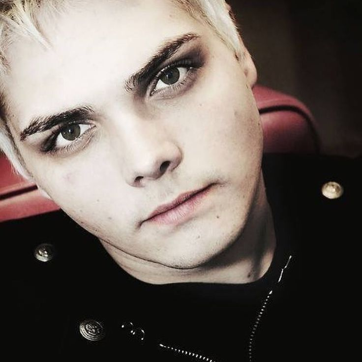 17 Best images about Gerard Way on Pinterest   Frank iero ...