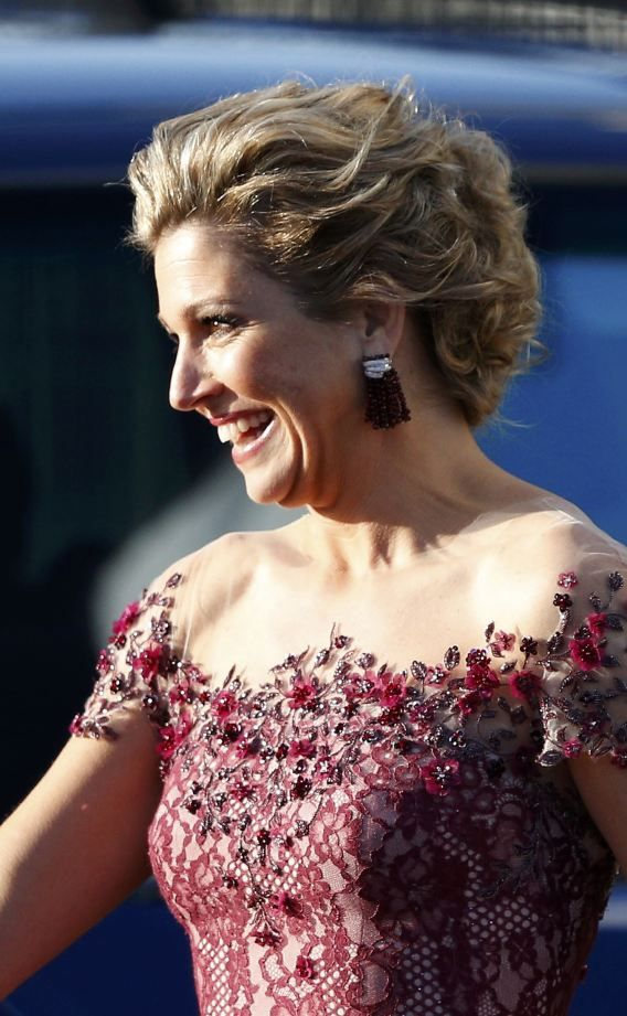 carolathhabsburg:Queen Maxima  Smiling newlycrowned Queen. Check out the fabulous details of her gown!!