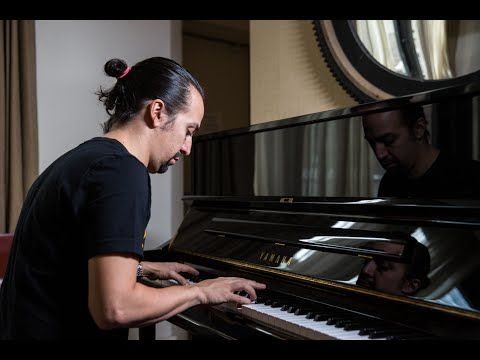 Lin-Manuel Miranda performing the John Adams rap that was cut from the musical Hamilton. Amazing - YouTube
