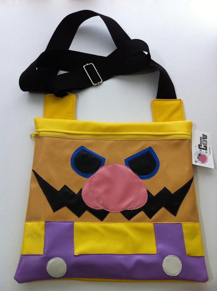 Bolsa plana Wario (Mario Bros) / Wario (Mario Bros) Flat bag. $380.00, via Etsy.