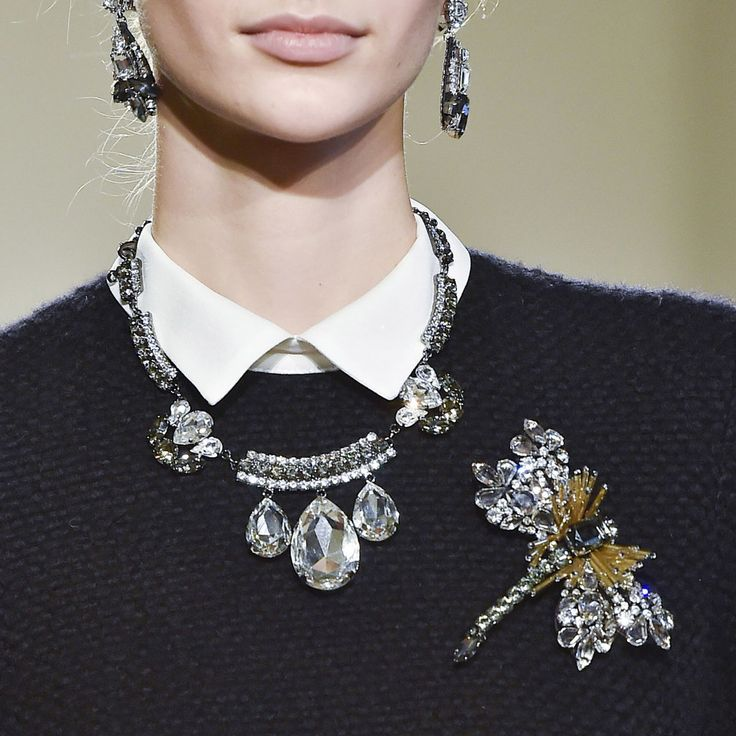 Brooches Trend Fall 2015   POPSUGAR Fashion · Tomber BijouxAccessoires ... a9b069924c58