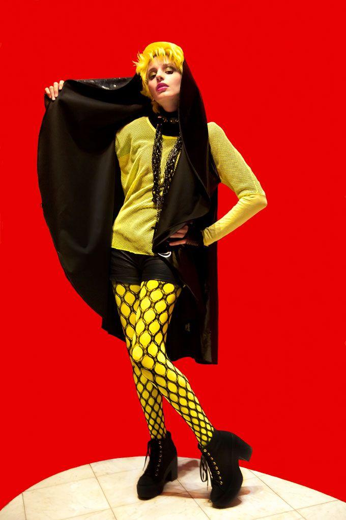 II Cerchio Gothic Chic!! A Strange Beauty by Emy Rice http://shop.sabrinattiani.com/shop/capispalla-outerwear-coat/raincoatcircle-lite/