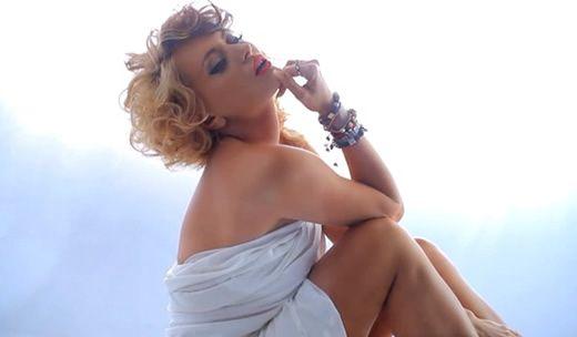 Videoclip: Delia - Ia-ma de mana  http://www.emonden.co/videoclip-delia-ia-ma-de-mana