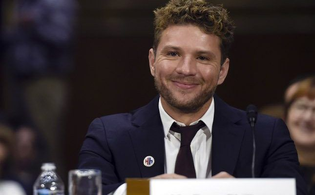 Ryan Phillippe's Girlfriend Says He Beat Her Up, Wants $1M
