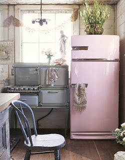 this is so me,Vintage Appliances, Pink Fridge, Dreams Kitchens, Vintage Kitchens, Shabby Chic, Vintage Pink, Pink Kitchens, Stoves, Retro Kitchens