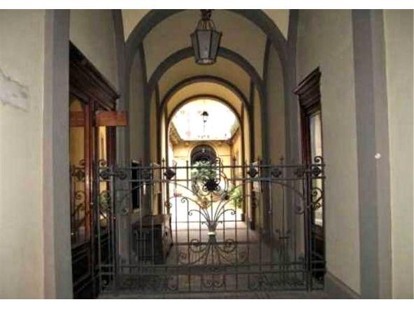 Caratteristico holiday studio in residenza depoca vicino agli Uffizi e Piazza del Duomo