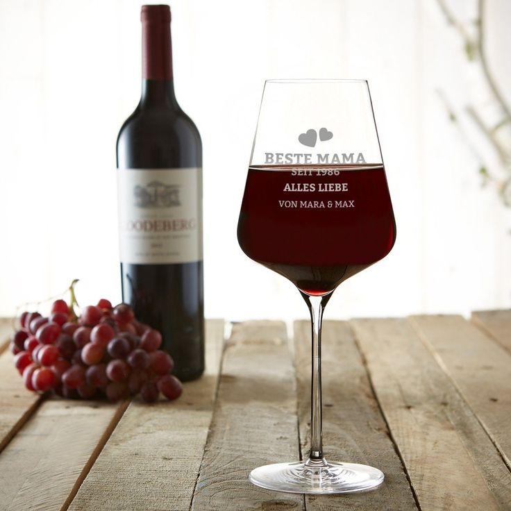 """Jetzt individuelles Weinglas für Mama gestalten: Unser Weinglas mit Gravur """"Herzen - Beste Mama seit. Tolles Rotweinglas gravieren für die Mutter! #Mutter #Muttertag #Weinglas #Rotwein #Rotweinglas #Geschenk #Geschenkidee"""