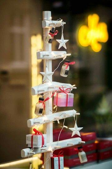 Christmas tree  by Moss Krakow