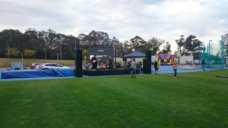 Entertainment at Canberra Community Sleepout 2015