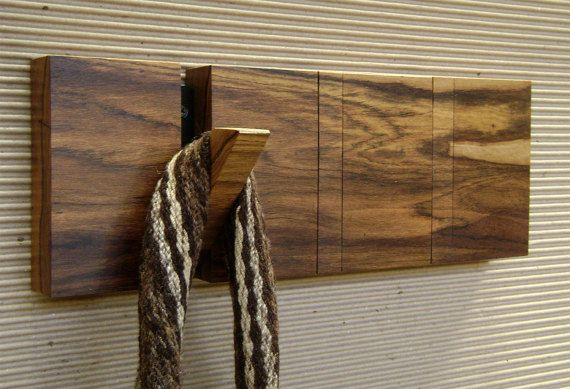 Perchero plegable en madera