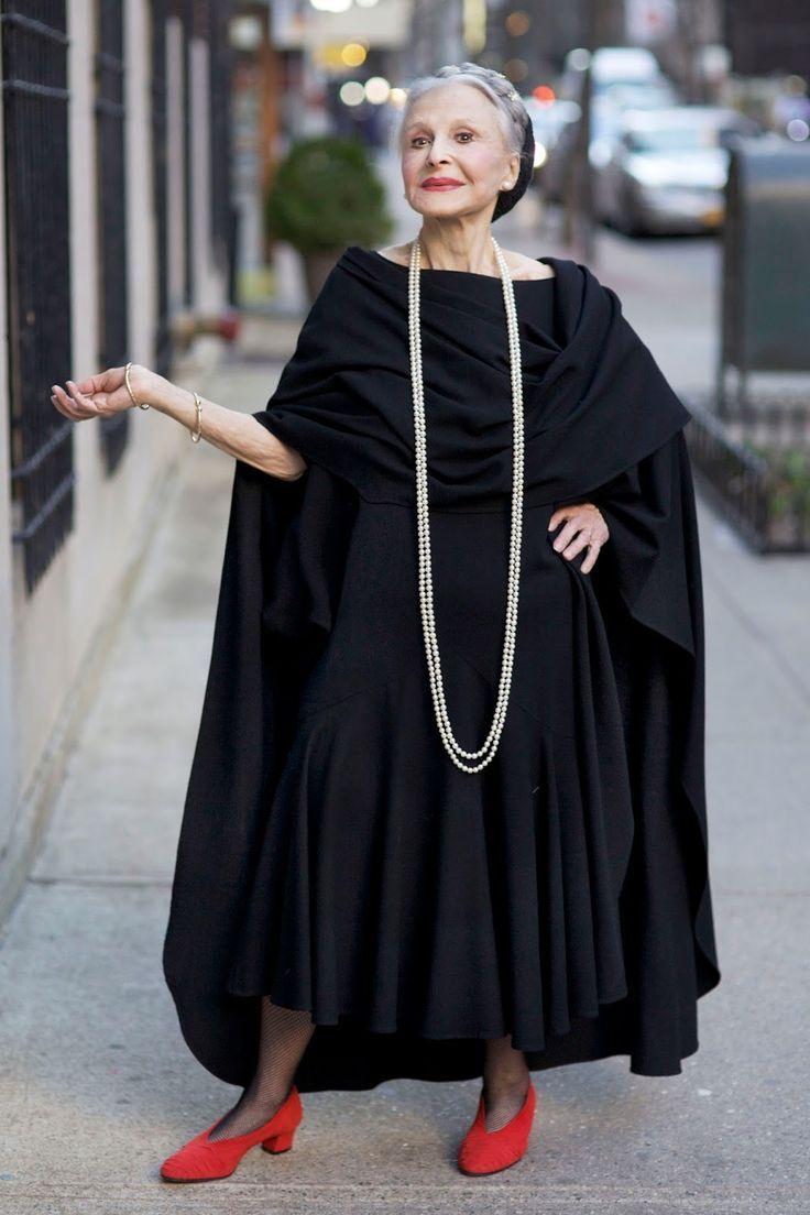 今注目を浴びる、ファッションが大好きで超お洒落な海外のおばあちゃん達♡いろんな時代を生き抜き、流行に流されることなく自分のスタイルを貫くカッコイイおばあちゃん達をまとめました♡ファッションの大先輩、お洒落なおばあちゃんたちにいろいろ学んじゃいましょう☆