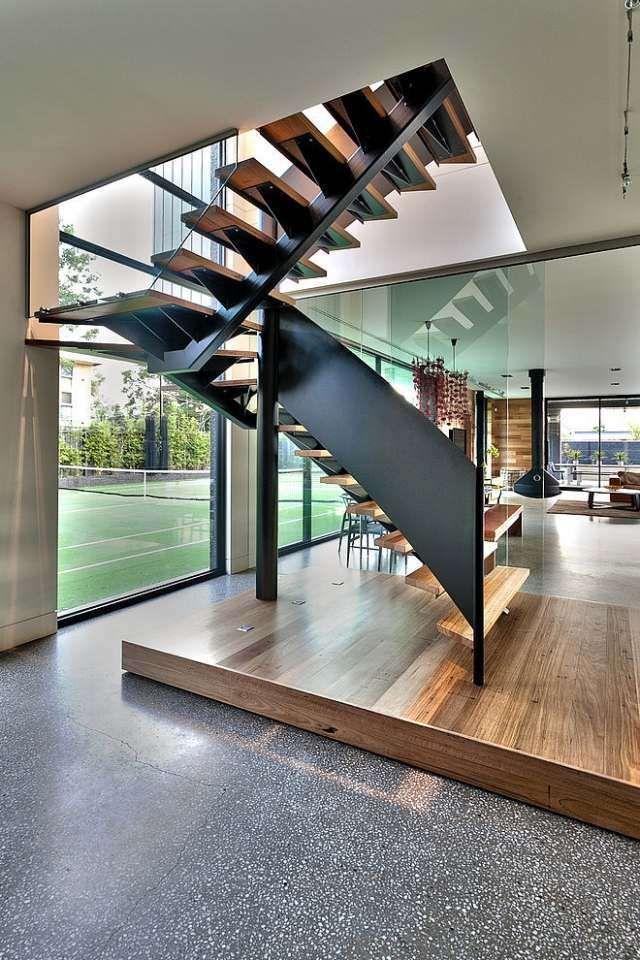 Les 25 meilleures id es de la cat gorie escalier tournant for Escalier avec palier intermediaire