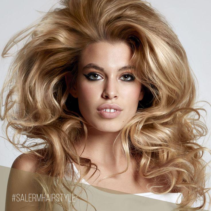 ¡Cambia la raya de tu cabello para ganar volumen en tu peinado! 😉  Disfruta del #domingo sacando partido a tu belleza natural ❤️  #SalermCosmetics #SalermHairstyle#Tendencias #Peinados #Recogidos #Raya #Volumen #Hair #CambiodeLook