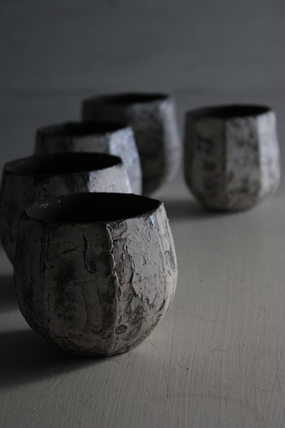 I really admire the shape that the artist has give to these cups - very edgy. Katsumi wares