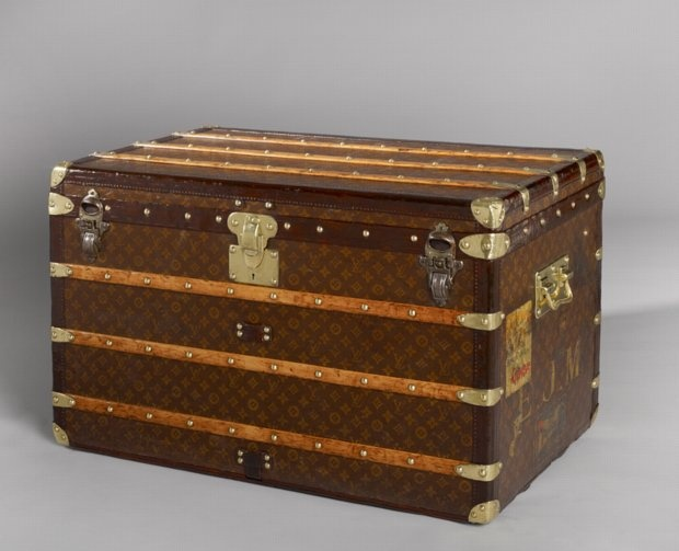 louis vuitton trunk louis vuitton trunks pinterest louis vuitton antiquit ten und wald. Black Bedroom Furniture Sets. Home Design Ideas