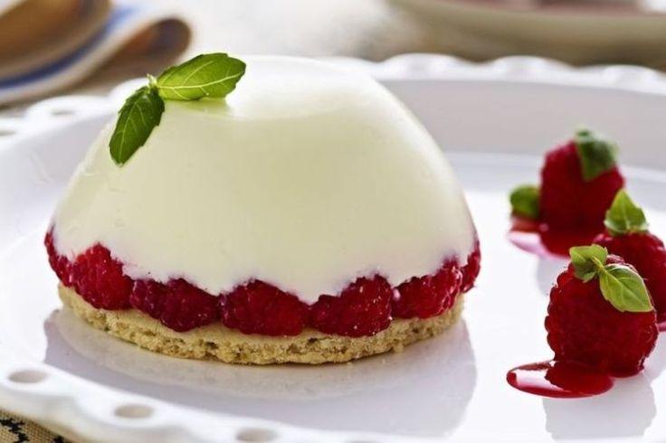Panna cotta - Uma sobremesa simples servida com estilo