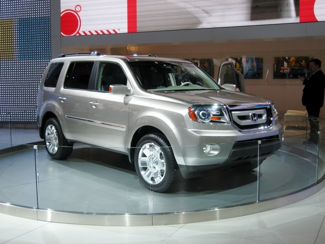 honda_pilot_2008 Top 5 Best Used SUVs http://blog.iseecars.com/2009/05/31/top-5-best-used-suvs/
