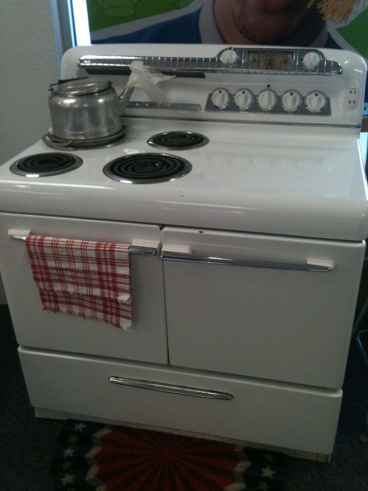 Retro kitchen appliance store 1950s kelvinator range cook - Kitchen appliances store ...