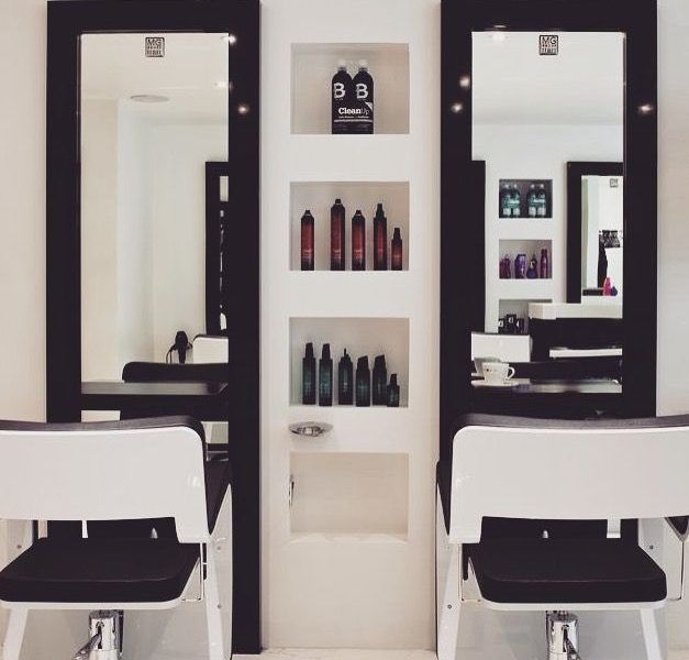 Small Beauty Parlour Interior Designs Best 25 Small Salon Designs