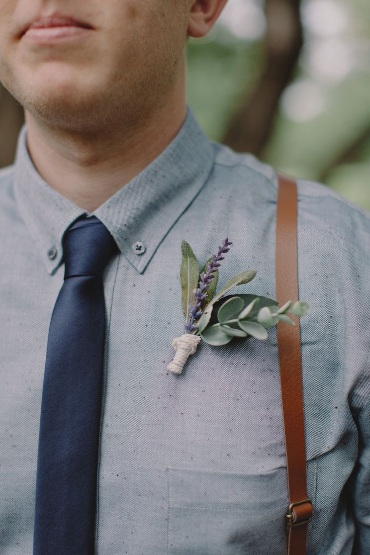 Handmade DIY boutonnieres wedding day, bohemian style wedding, bhldn wedding dress, wedding dress, white wedding dress, outdoor wedding, vista west ranch wedding, groom style, groom suit, bohemian bridesmaids, bohemian groomsmen, rustic wedding, austin texas wedding, small wedding, wedding photography, bohemian table wedding, garland wedding, green wedding, wedding hair, bride hairstyle, boutineer DIY,