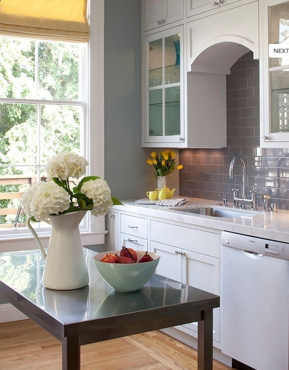 25 best ideas about blue yellow kitchens on pinterest yellow home furniture vintage kitchen. Black Bedroom Furniture Sets. Home Design Ideas