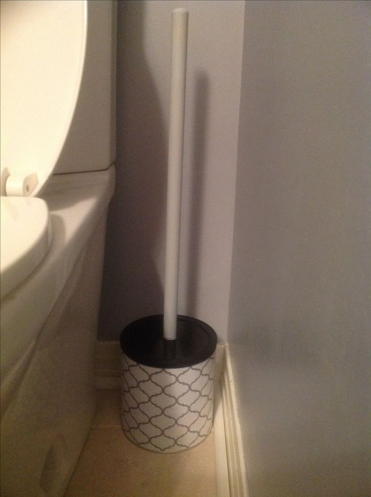 Plunger cover using a large coffee can and shelf liner