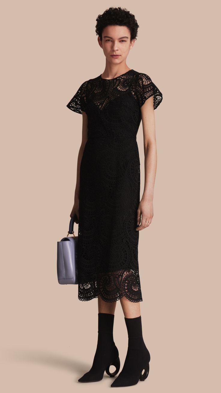 Многослойное платье из кружева макраме Черный   Burberry