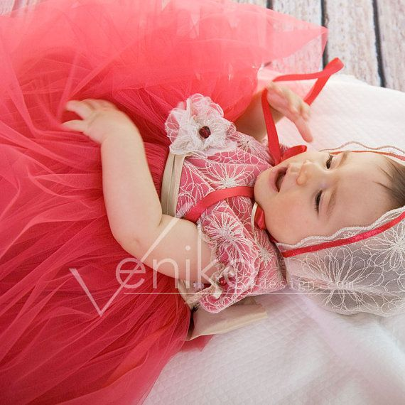 christmas dress in red for baby girl with tulle by MonikaVenika