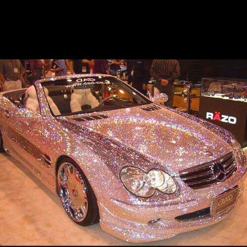I have patience, but this is extreme crystalling......Pink glitter Mercedes!! Can you imagine driving that in the sun lol!