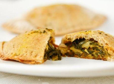 Pastel de forno de queijo com escarola - Veja como fazer em: http://cybercook.com.br/receita-de-pastel-de-forno-de-queijo-com-escarola-r-13-94716.html?pinterest-rec