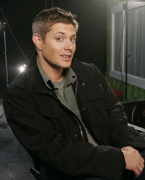 Jensen ackles, Photoshoot and About us on Pinterest